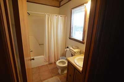 , Cabin No.3, Creekwood Village Resort, Creekwood Village Resort