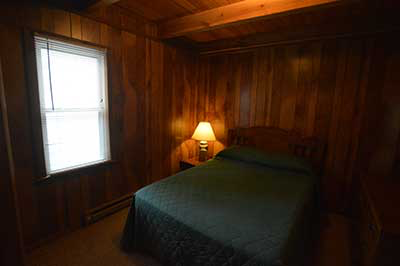 , Cabin No.4, Creekwood Village Resort