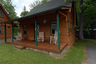 , Cabin No.8, Creekwood Village Resort, Creekwood Village Resort