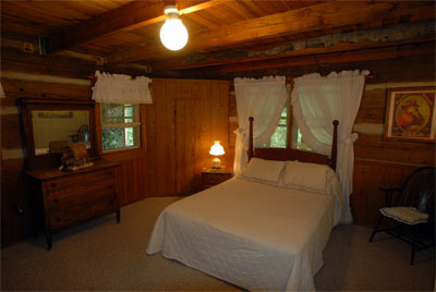 , Cabin No.9, Creekwood Village Resort